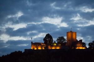 BurgLandeck_Abend